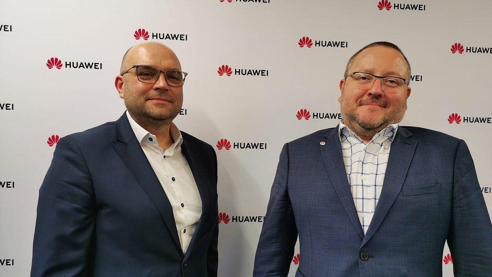 Na zdjęciu: Albert Gryszczuk, Krajowa Izba Klastrów Energii i Ryszard Hordyński, Huawei Polska