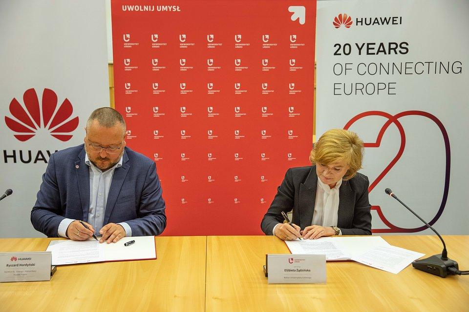 Huawei_podpisanie_porozumienia-101.jpg