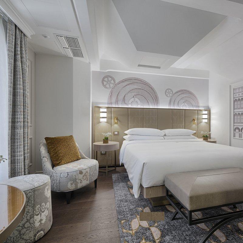 Molino Premium Rooms (9).jpg