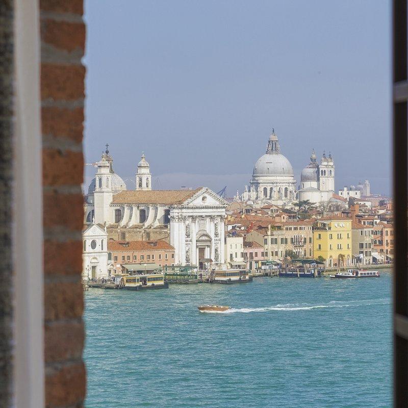 Molino Premium Rooms with view (1).jpg