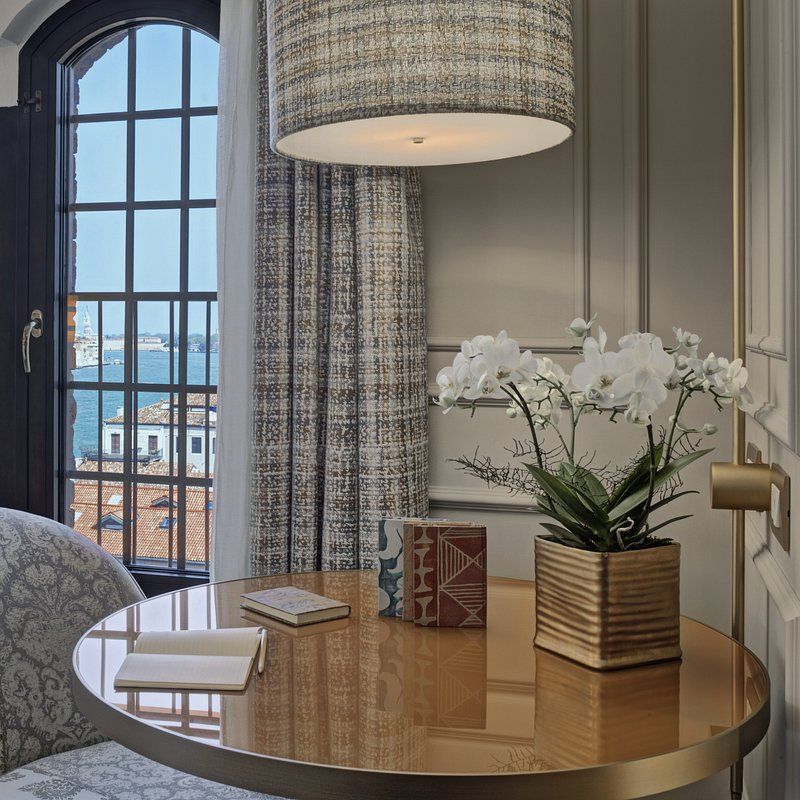 Molino Premium Rooms with view (2).jpg