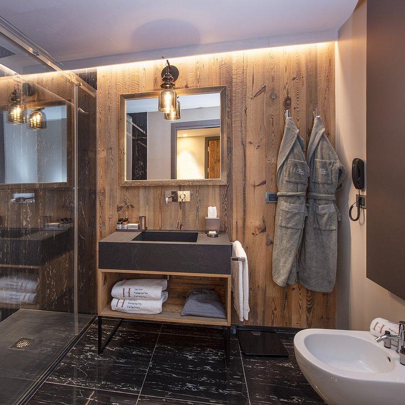 Le Massif_Bathroom_2.jpg