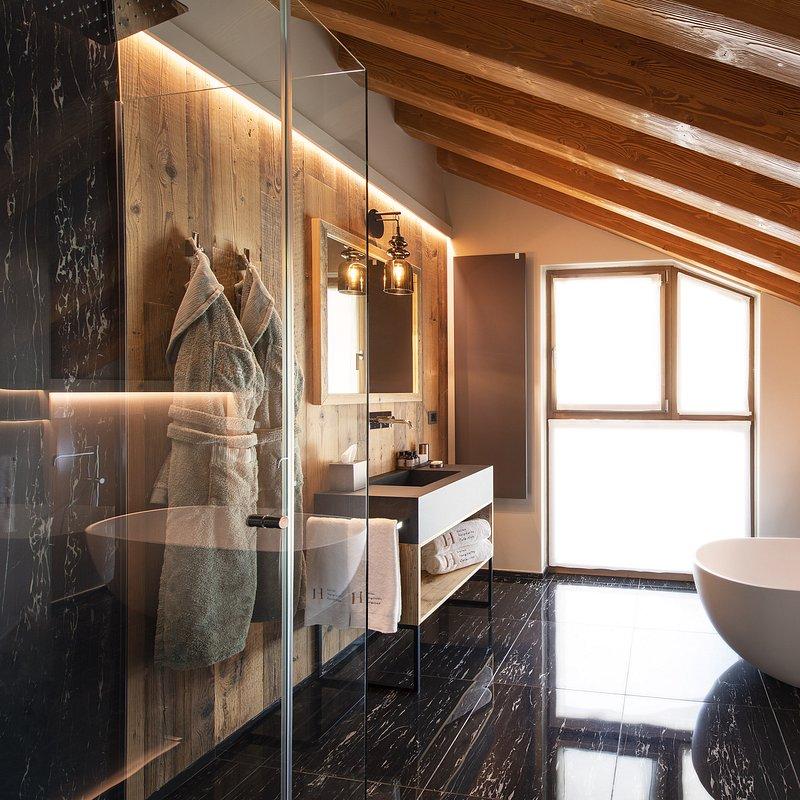 Le Massif_Bathroom_3.jpg