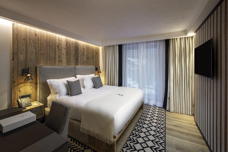 Le Massif_Superior Room.jpg