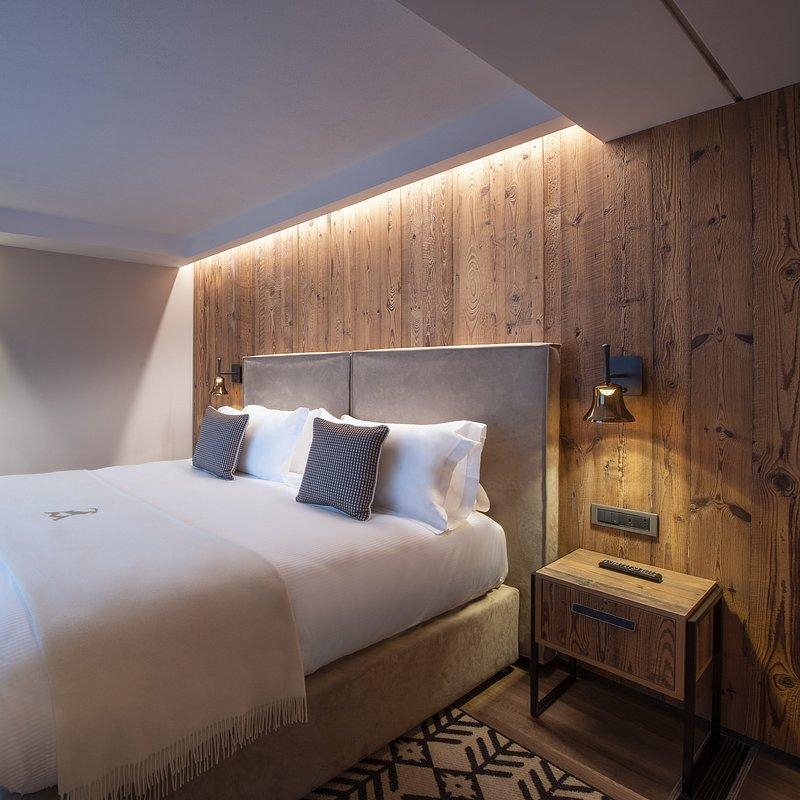 Le Massif_Suite_Bedroom.jpg