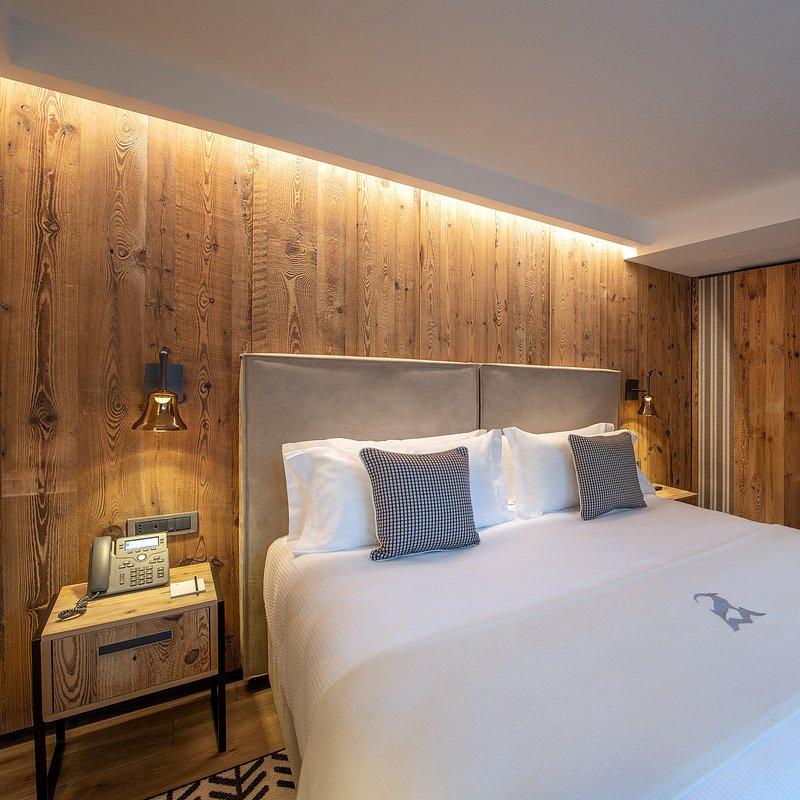 Le Massif_Suite_Bedroom_1.jpg