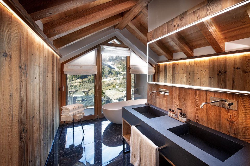 Le Massif_Roof Top Suite_Bedroom _by Andrea Auletta (2).jpg