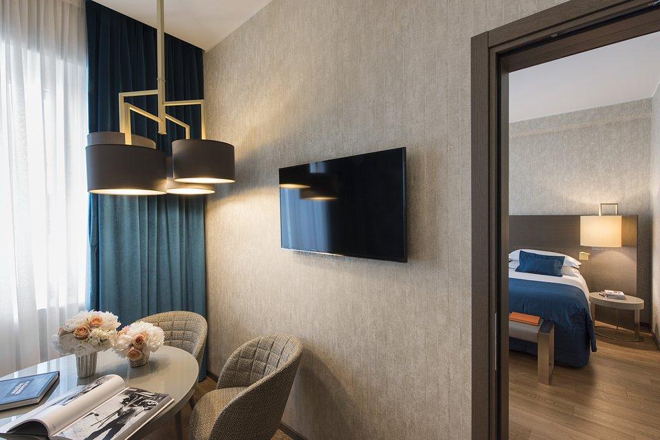 Starhotels Rosa Grand Mi_Junior Suite by Andrea Auletta (1).jpg