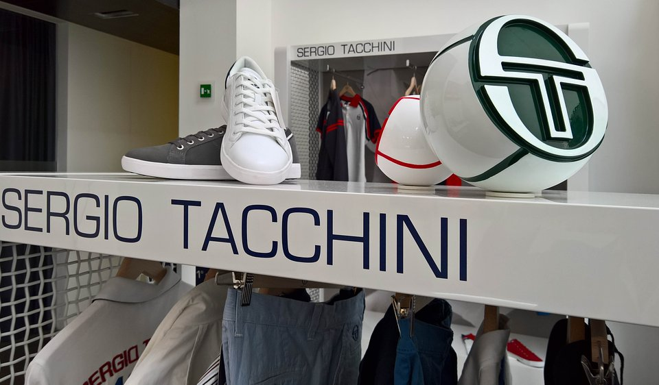 Sergio Tacchini show room by nz.A Studio (10).jpg