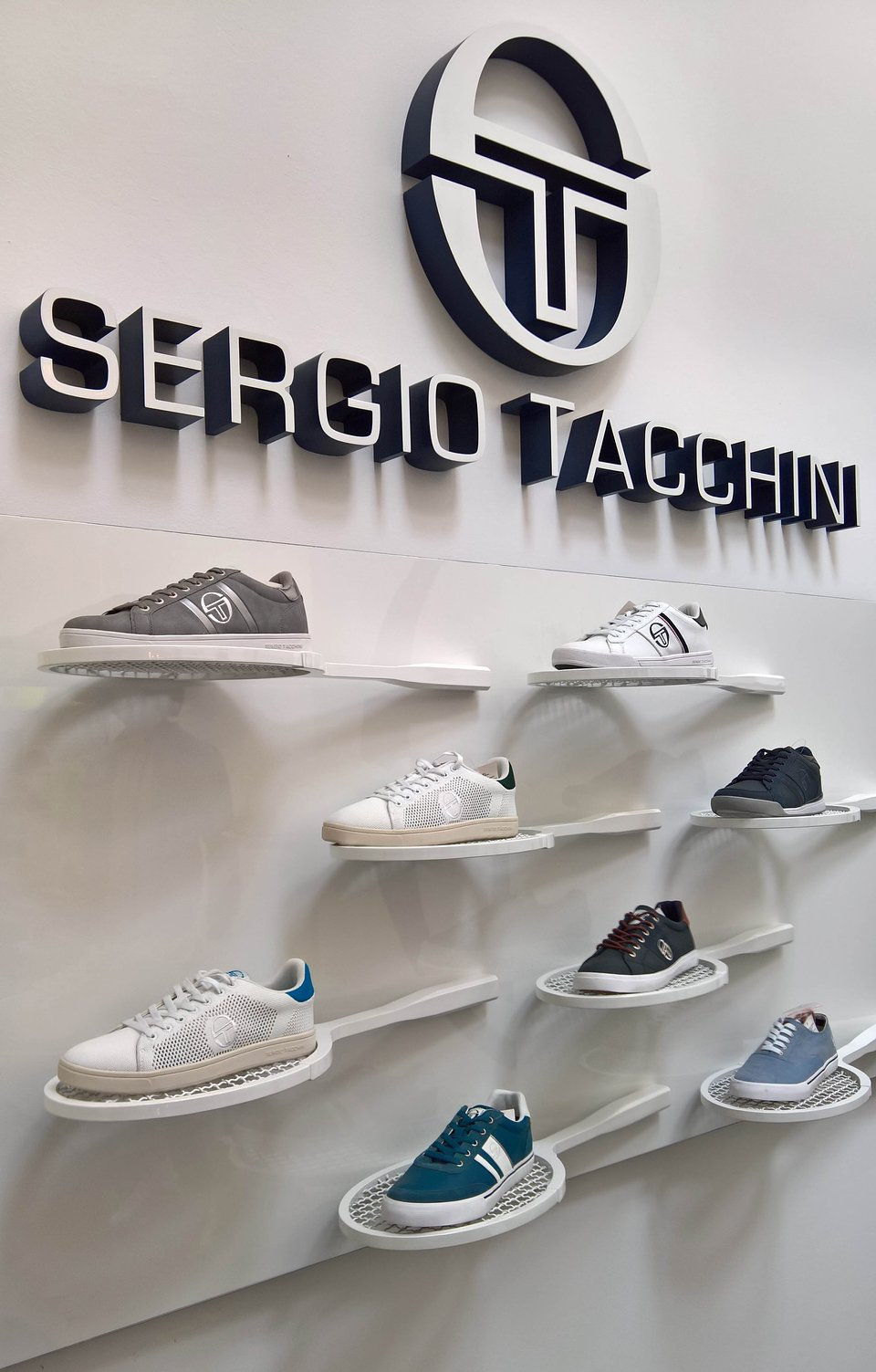 Sergio Tacchini show room by nz.A Studio (12).jpg