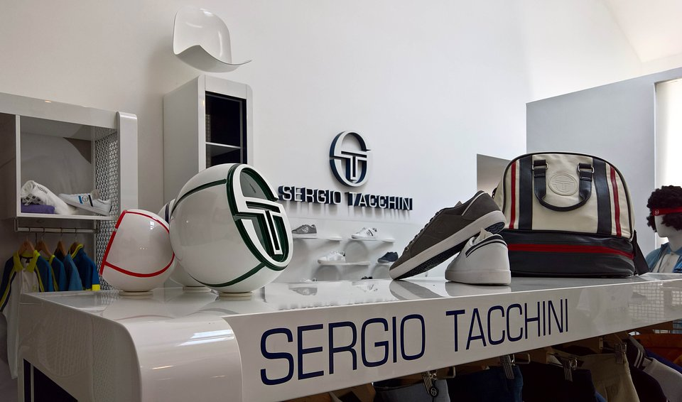 Sergio Tacchini show room by nz.A Studio (14).jpg