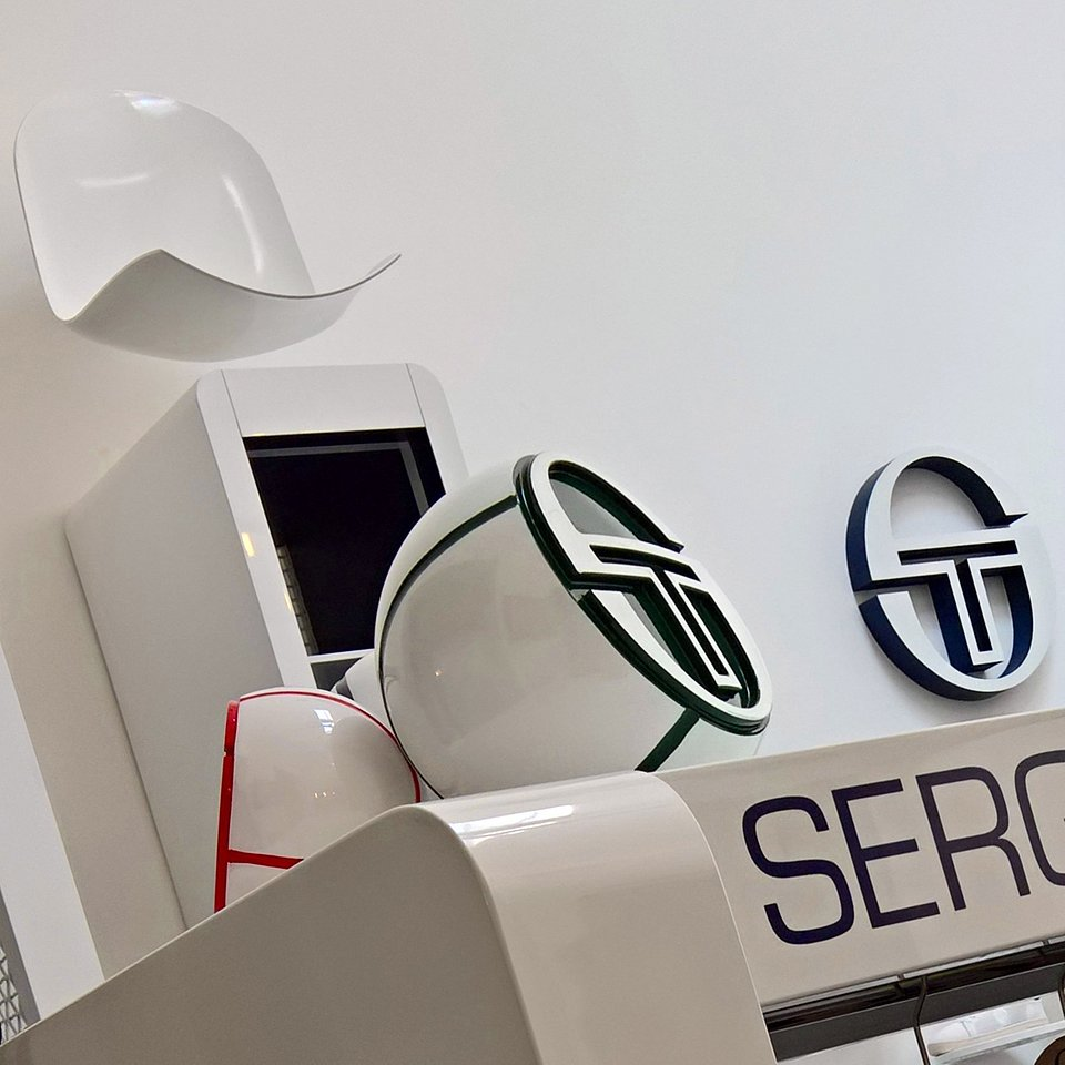 Sergio Tacchini show room by nz.A Studio (15).jpg