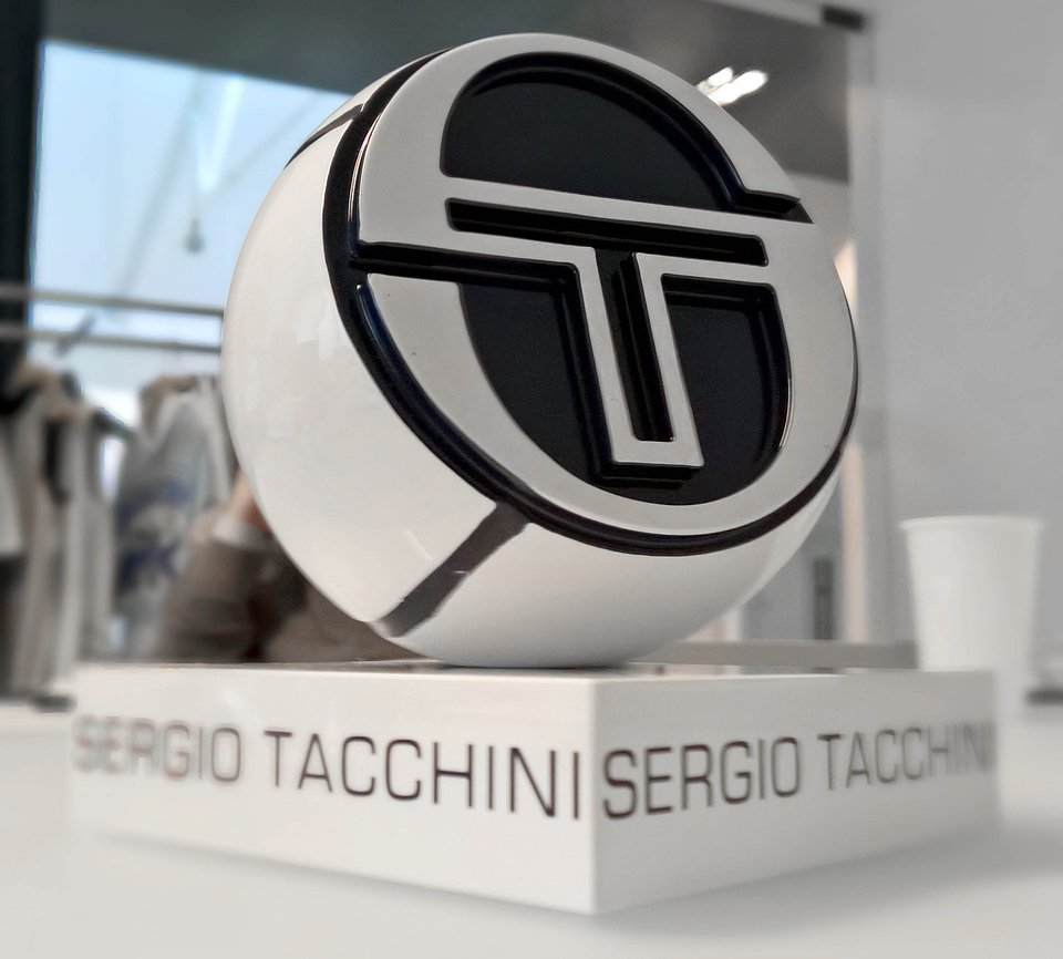 Sergio Tacchini show room by nz.A Studio (19).jpg