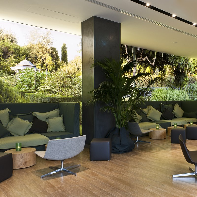 Starhotels Echo_Mi_Lobby_by Andrea Auletta (4).jpg