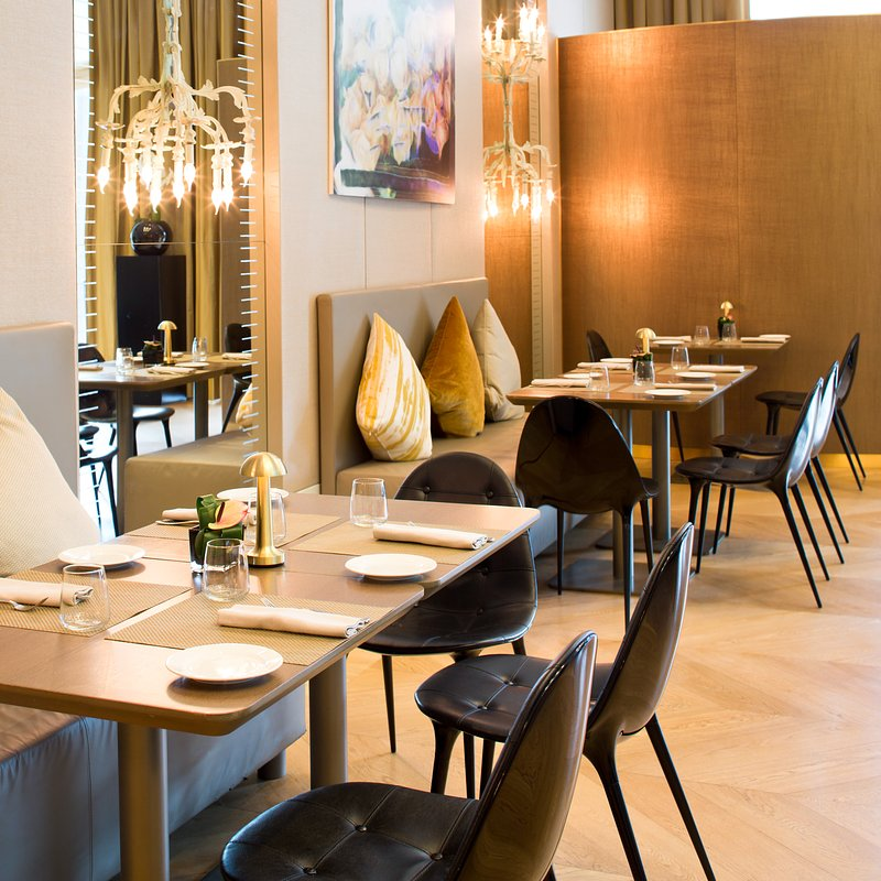 Starhotels Rosa Grand-MI_Sfizio by Eataly_Restaurant (2).jpg