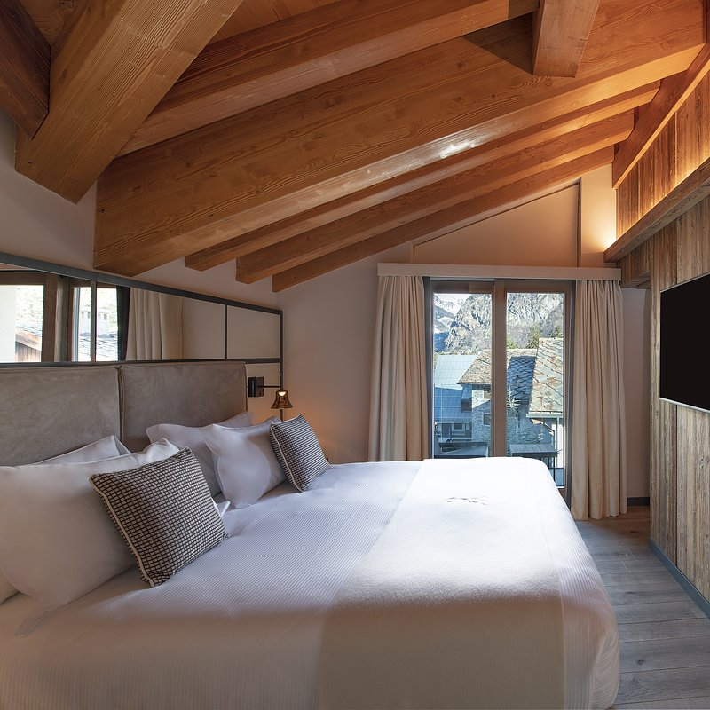 Le Massif_Roof Top Suite_Bedroom _by Andrea Auletta (1).jpg