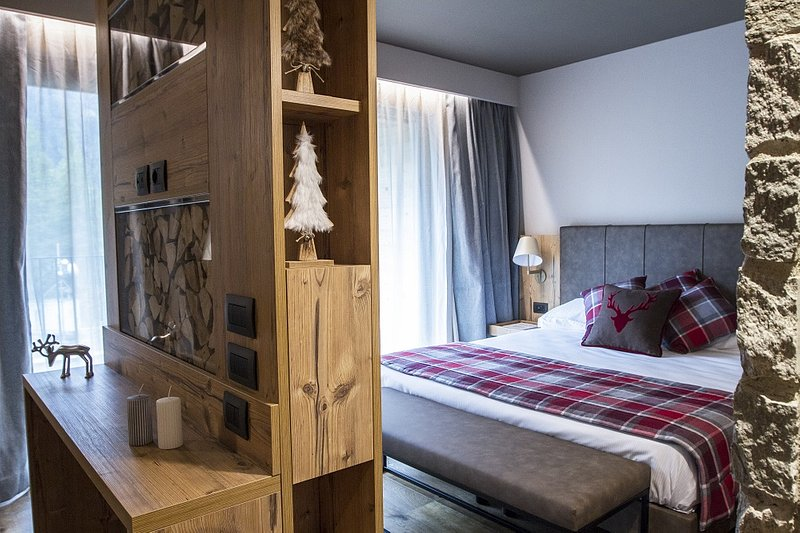 Hotel La Vetta Verzo (San Domenico) by Concreta (2).jpg