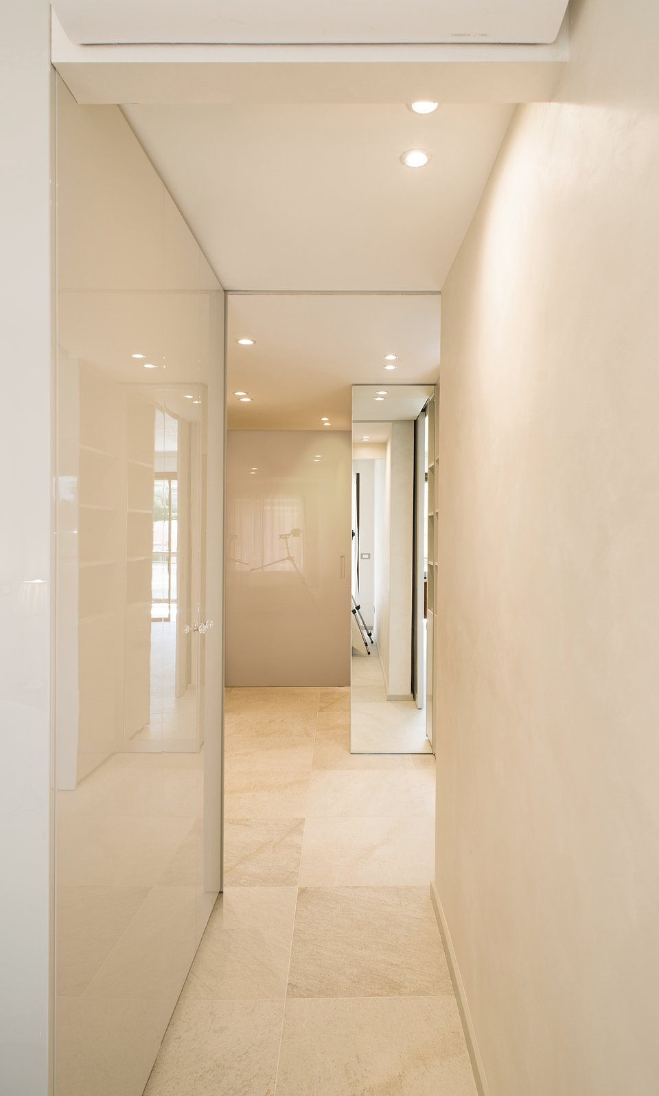 Nicola Zema_Appartament Cannes (12).jpg