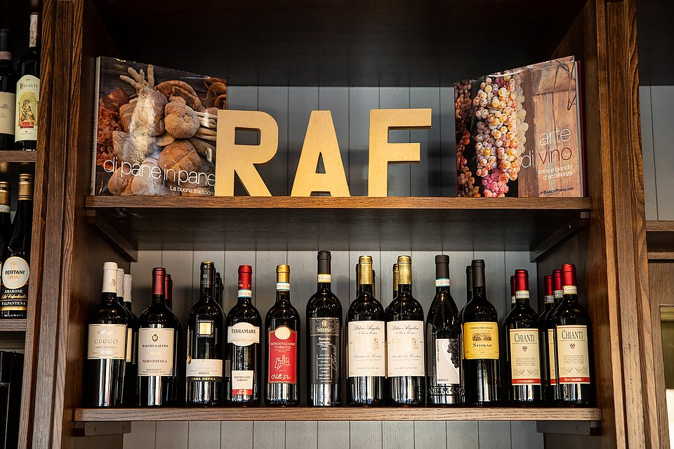 RAF Restaurant Rome by RPM Proget (2).jpg