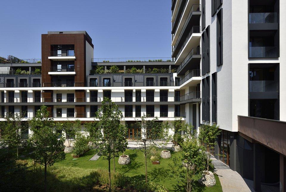 UE_MilanoVerticale_Milano_garden_photocourtesyMilanoVerticale_UNAEsperienze..jpg