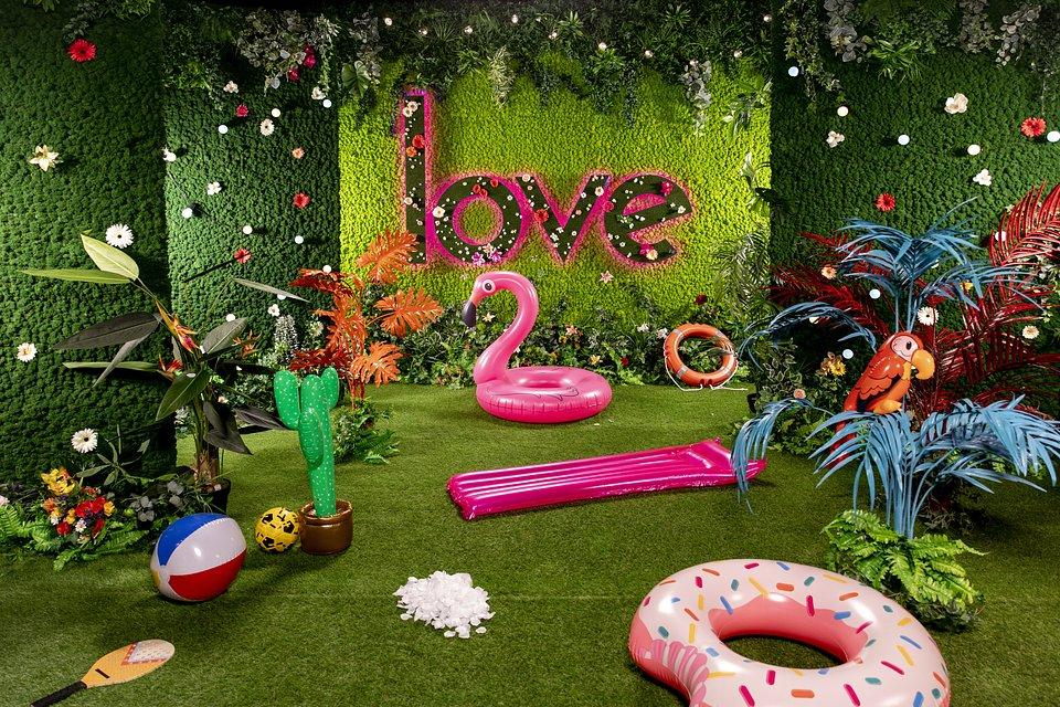 Green Room TV SET Love Island by Benettihome (1).jpg