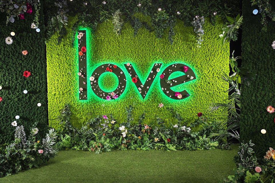 Green Room TV SET Love Island by Benettihome (2).jpg