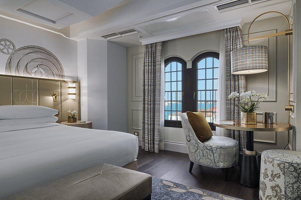 Molino Premium Rooms with view (3).jpg