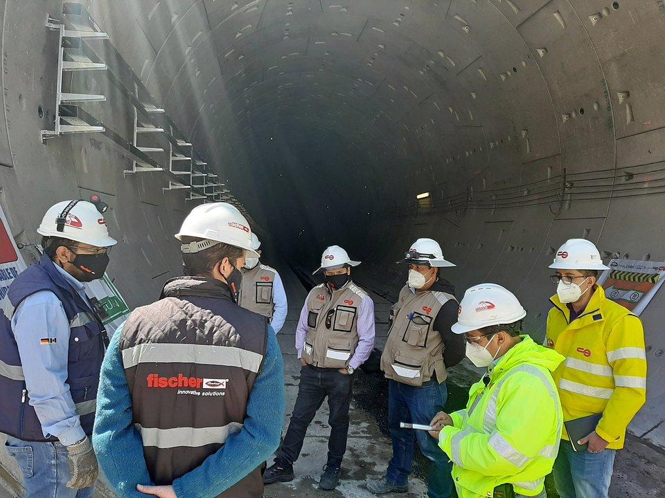 fischer zapewnia ważne wsparcie na miejscu budowy nowej linii kolejowej. Zdjęcia: fischer