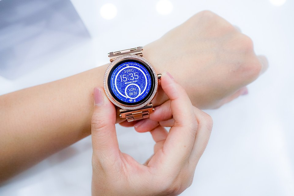watch-2996385_1920.jpg