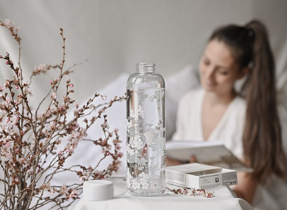 Butelka Sakura/ fot. Waterdrop