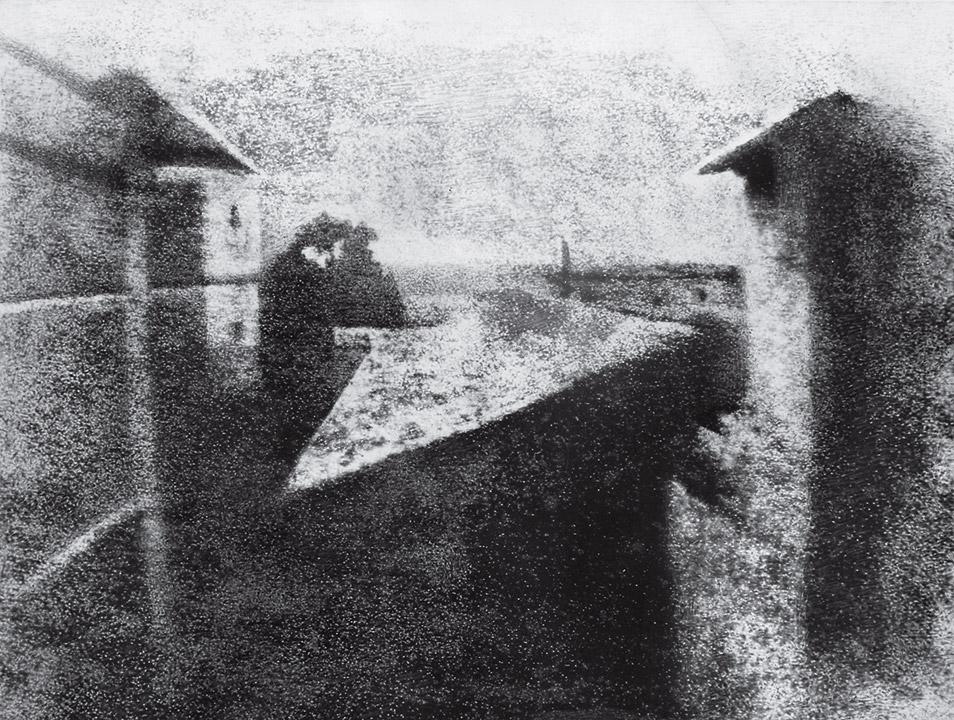 Zdjęcie 3. Źródło: http://100photos.time.com/photos/joseph-niepce-first-photograph-window-le-gras