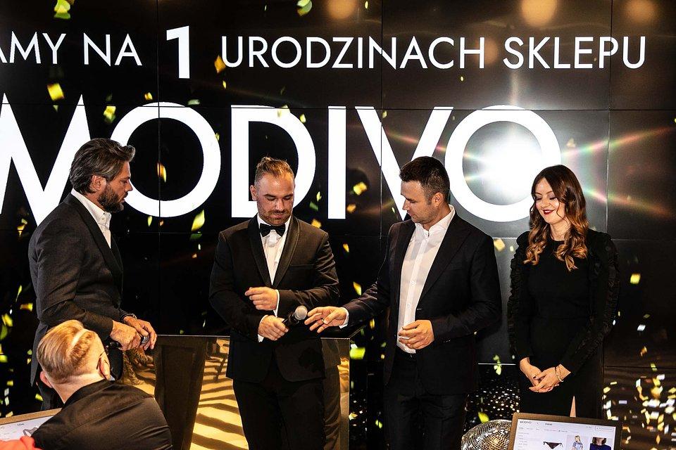Paulina Ciecierska, Marcin Grzymkowski, Konrad Jezierski w rozmowie z Olivierem Janiakiem