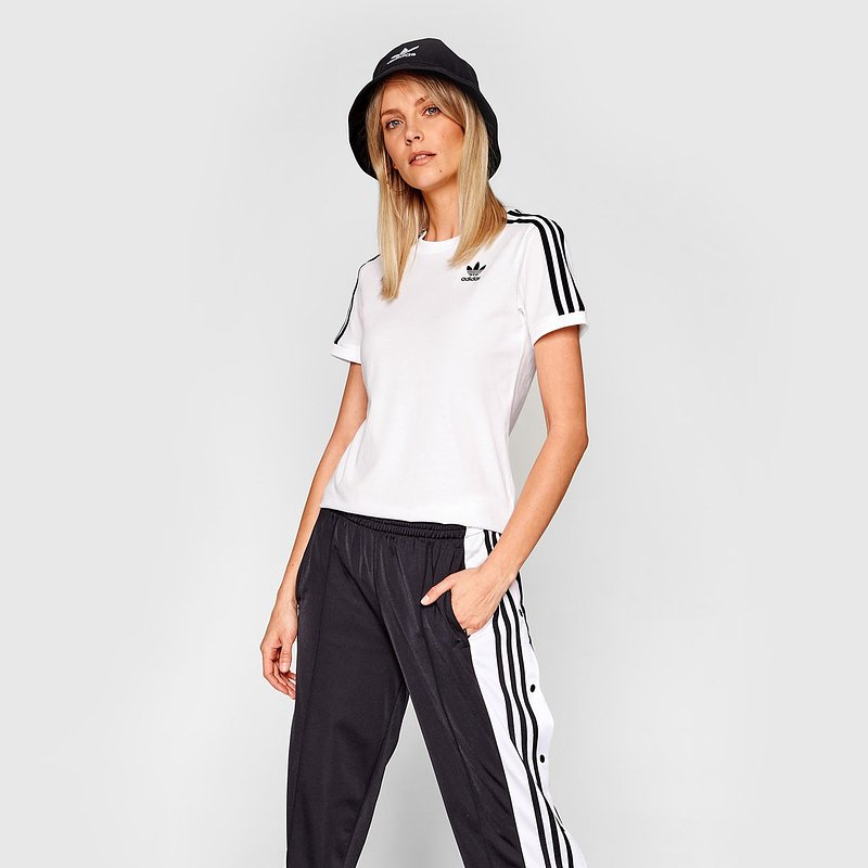 adidas-t-shirt-3-stripes-tee-gn2913-bialy-regular-fit.jpg