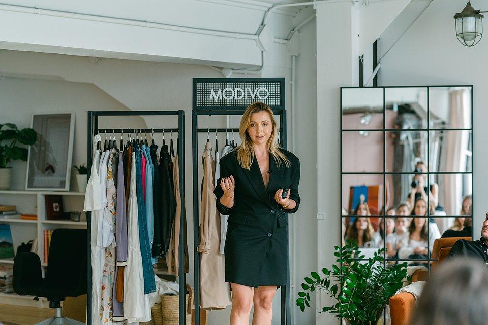 MODIVO POWER DRESSING - Marta Waluk