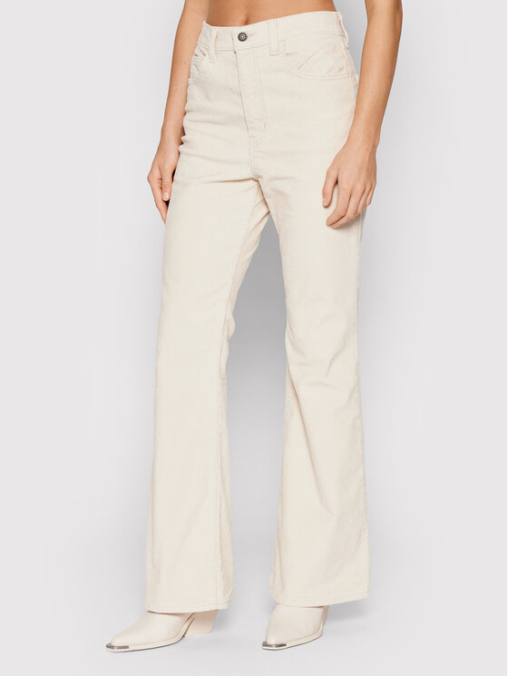 levis-r-jeansy-70s-high-flare-a0899-0007-bialy-slim-fit.jpg