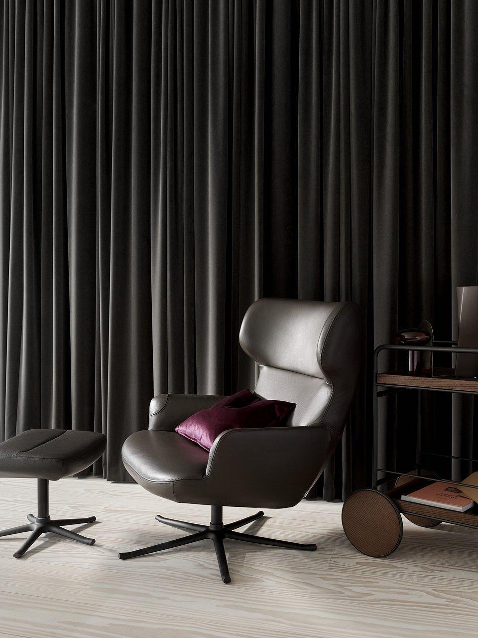 Fotel Trento z funkcją obrotu, cena od 5.969,- Podnóżek Trento, cena od 1.969,-