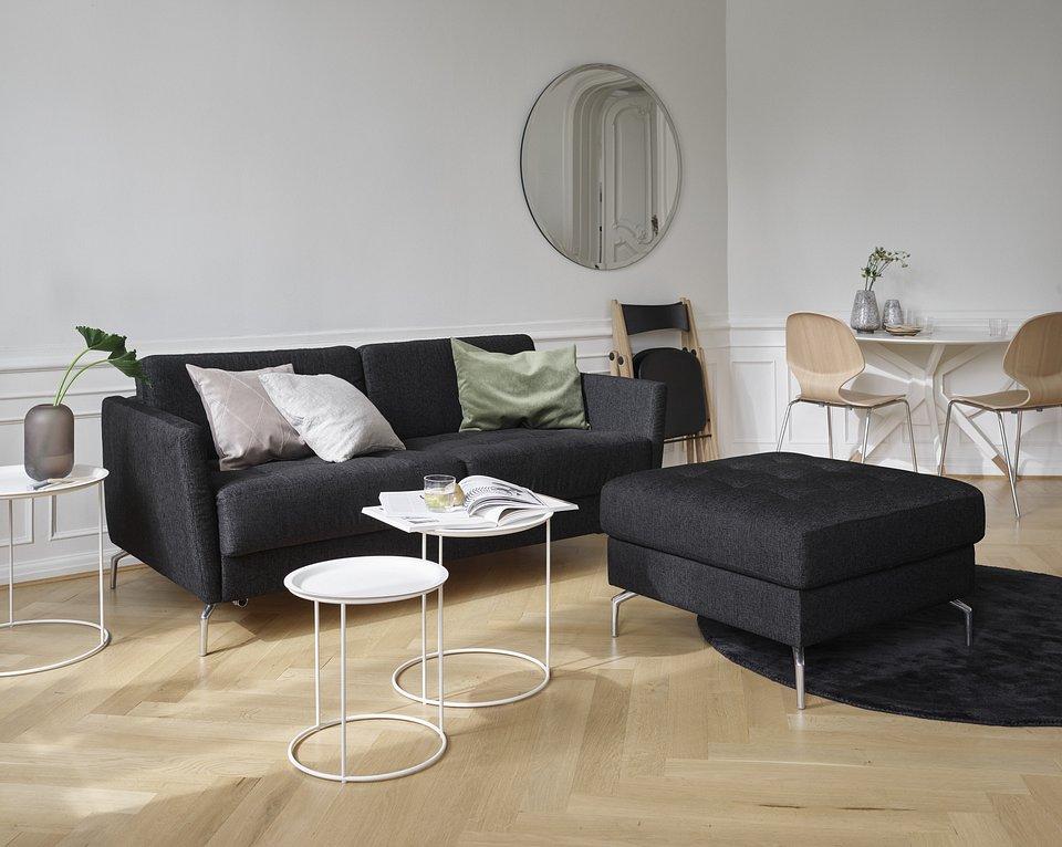 Sofa Osaka z funkcją spania, cena od 11.290,- Puf Osaka ze schowkiem, pikowane siedzisko, cena od 2.529,-