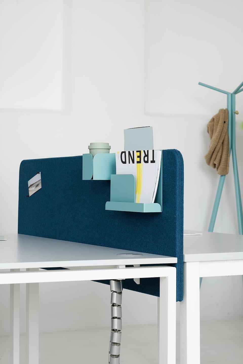 Przegrody akustyczne do biurek w przestrzeni open space, materiały prasowe MARO Office Furniture