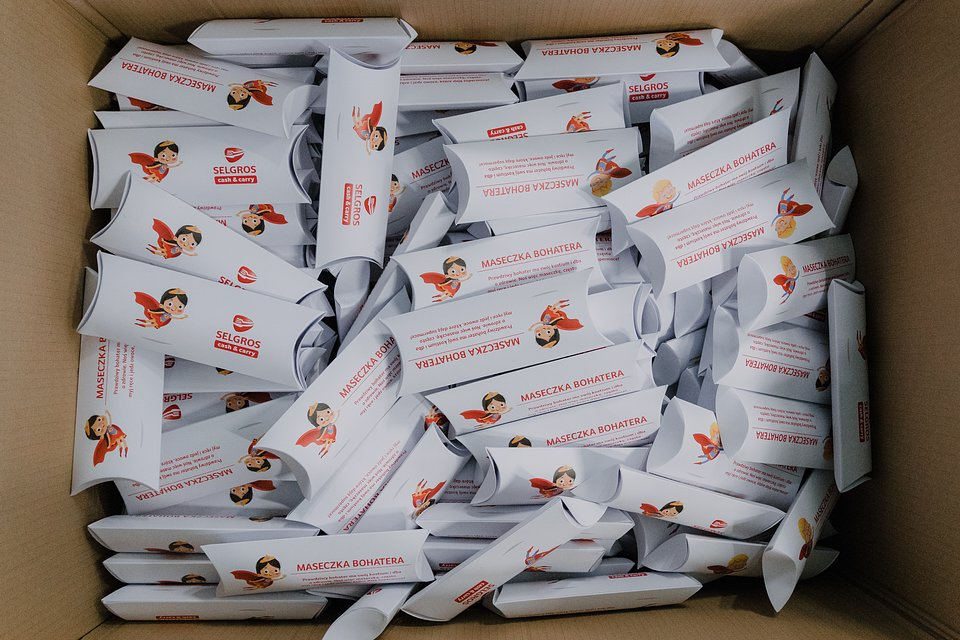 Łącznie do uczniów siedleckich szkół podstawowych trafiło 3500 maseczek.