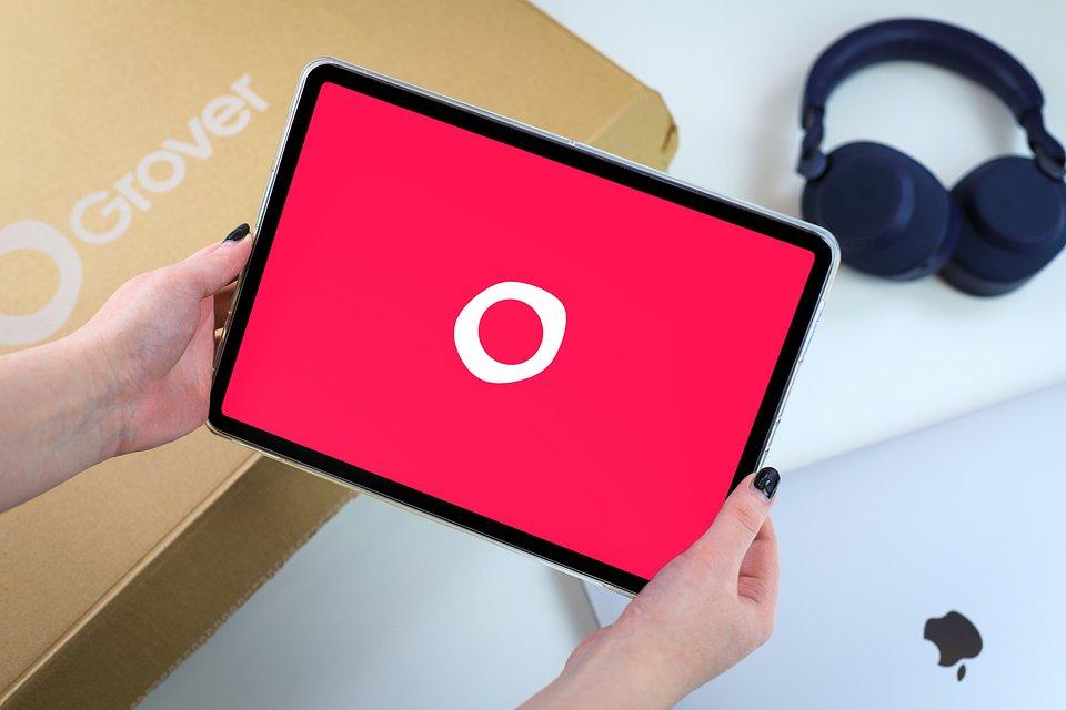 Selection of Grover tech rental products (iPad Pro, Jabra Elite 85h Bluetooth Headphones, MacBook Pro)