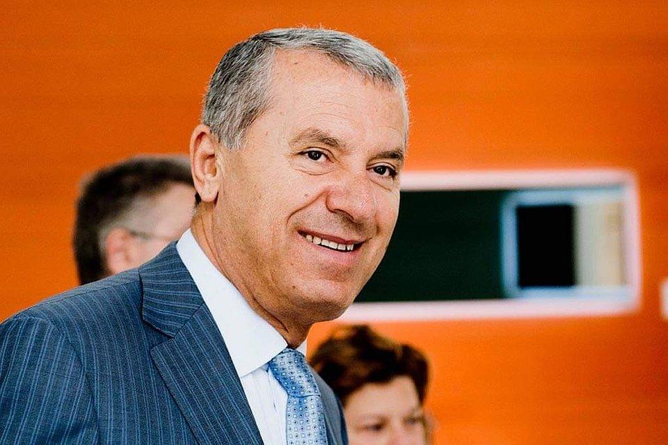 Swiss national Dr Khater Massaad, former CEO OF RAKIA and RAK Ceramics warns investors