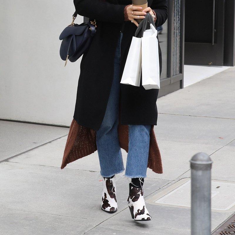 Jessica Alba mango shoes Beverly Hills - rights from 18022019 PR+SM WW.jpg