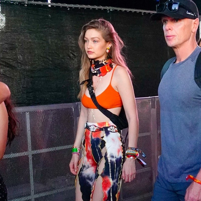Gigi Hadid wearing Mango belt at Coachella - Rights from 14042019 PR+SM WW 1.jpg