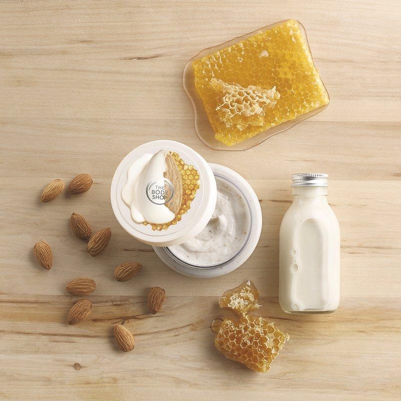 Almond Milk and Honey Body Scrub_69,90PLN (2).jpg