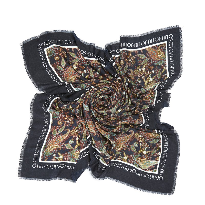 LIU_JO_AW19_20_SOFT ACCESSORIES 02_ 1_369090_T0300_239PLN.jpg