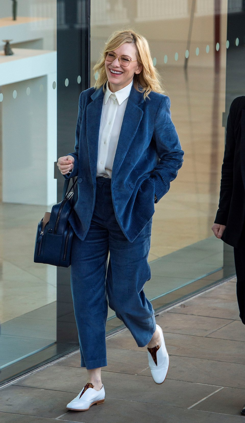 Cate Blanchett wearing mango suit Rights from GOFF 04122019.jpg