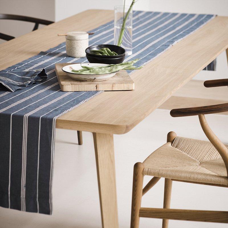 JONA_SMOKE_BLUE_TABLE_RUNNER_TEA_TOWEL_SFEER_02.jpg