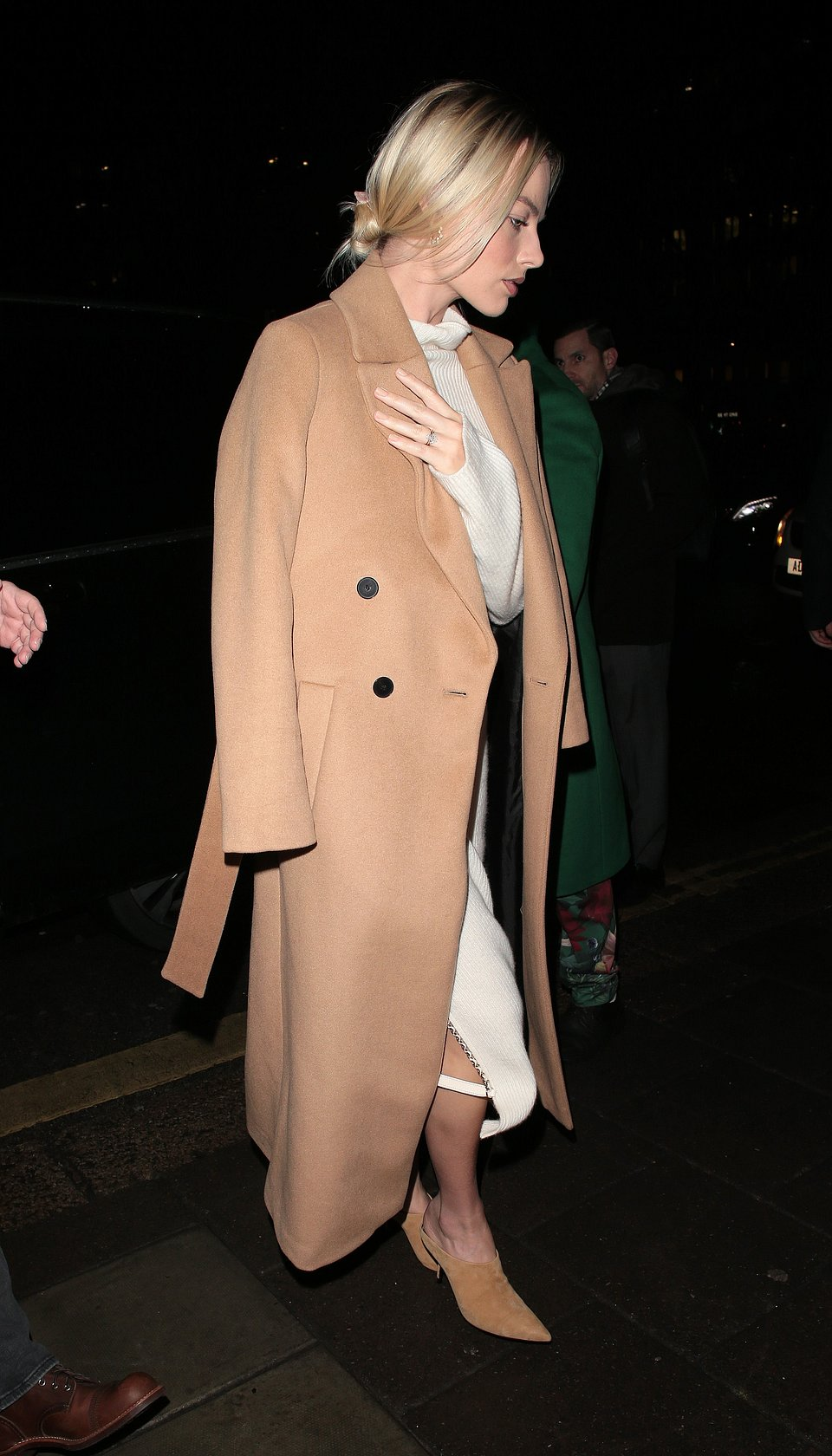 Margot Robbie wearing Mango coat- Rights from Getty images 28012020.jpg