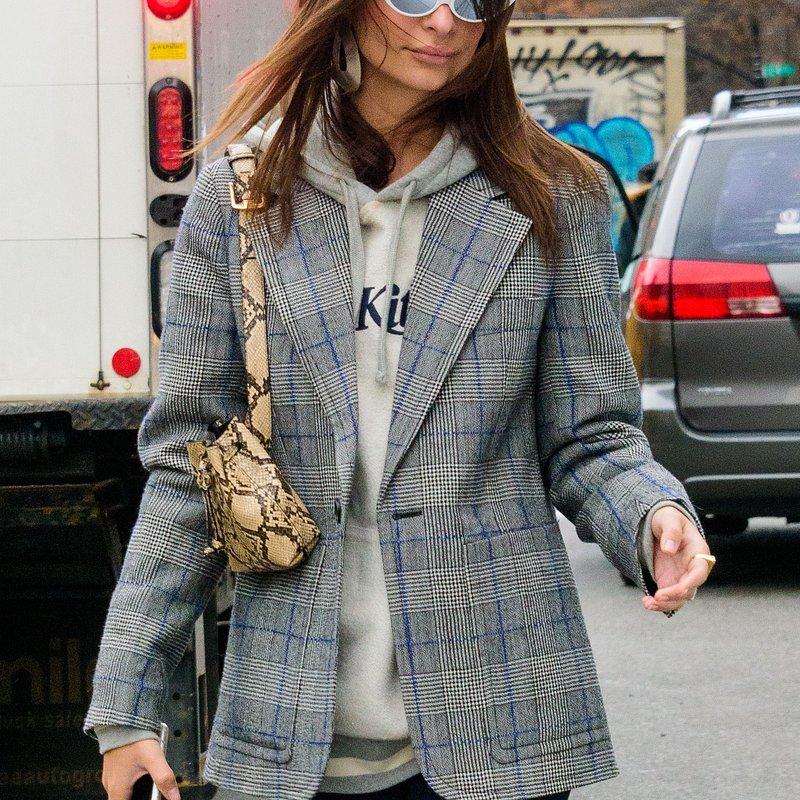 Emily Ratajkowski wearing Mango bag in NY - Rights from 04122018 PR+SM WW.jpg