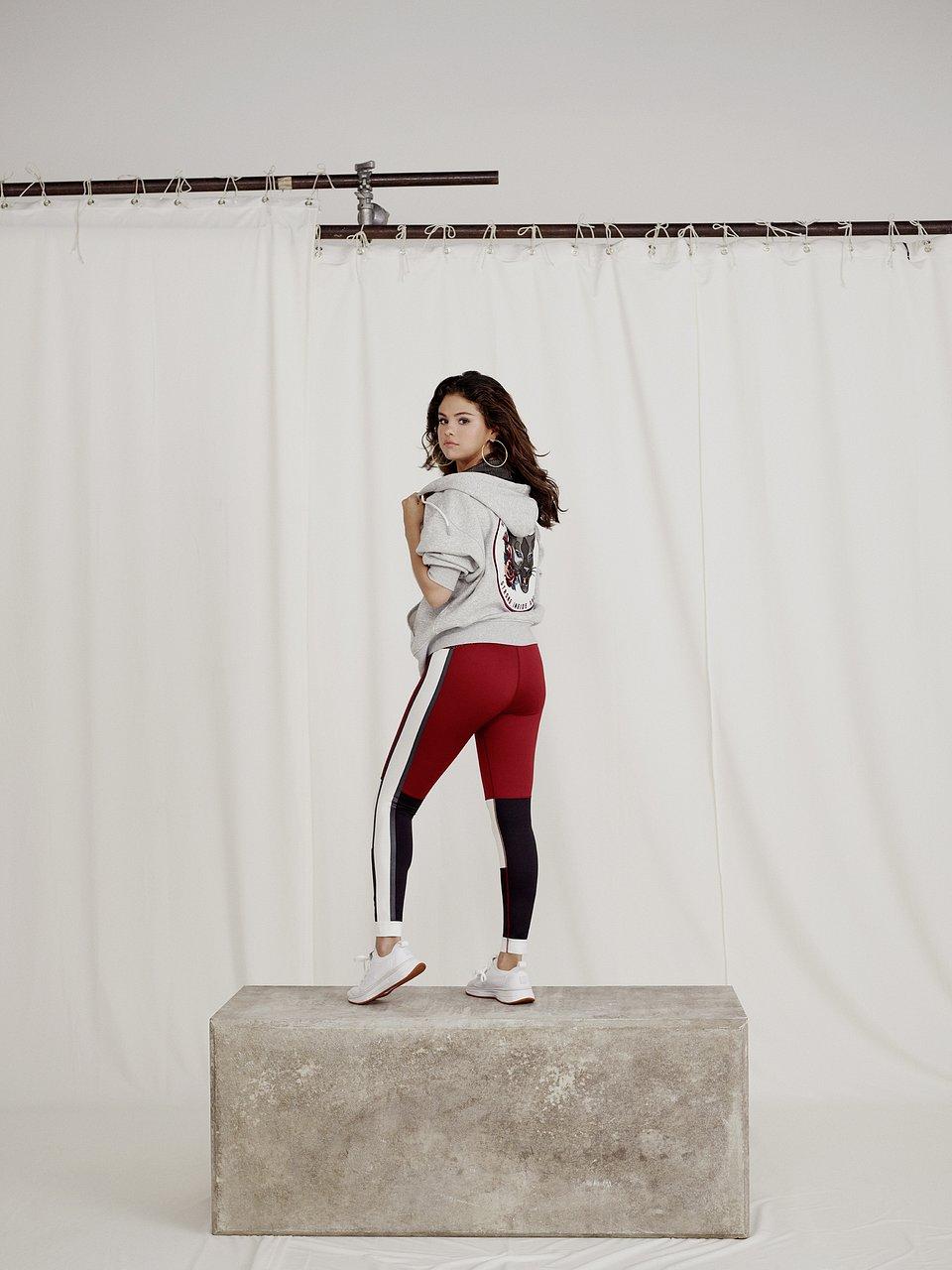 18AW_xRT_Selena-Collection_Selena-Gomez_Look-01_0073_RGB.jpg